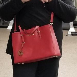 Michael Kors leather handbag w/o tags w/dust bag